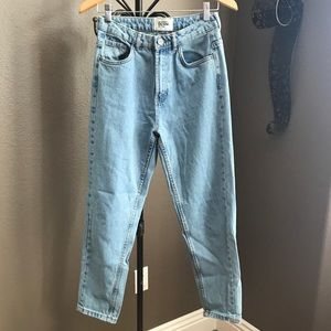 BLOGGERS FAVORITE Zara Mom Jeans